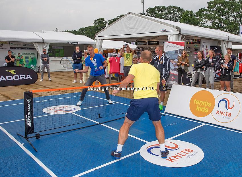 Den Bosch, Netherlands, 12 June, 2016, Tennis, Ricoh Open, winners volley challenge <br /> Photo: Henk Koster/tennisimages.com