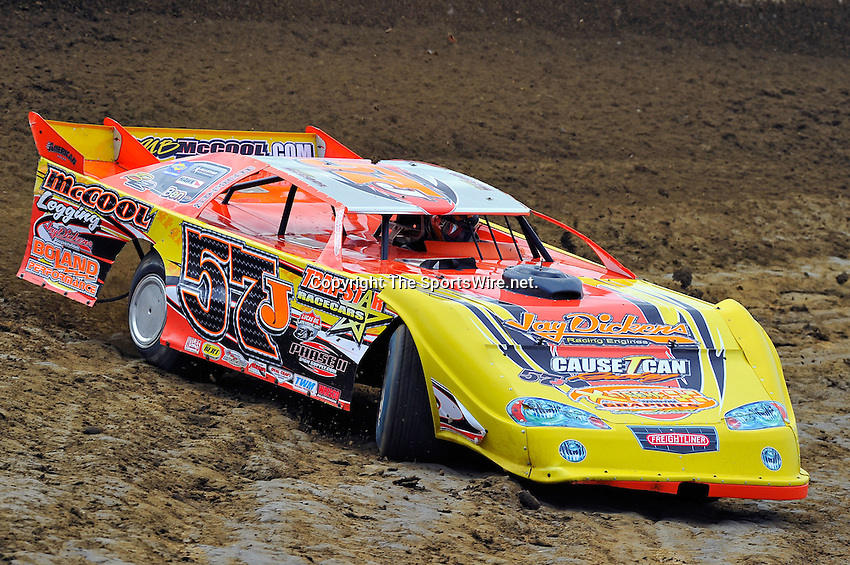 Feb 06, 2010; 1:16:41 PM; Gibsonton, FL., USA; The Lucas Oil Dirt Late Model Racing Series running The 34th Annual Dart WinterNationals at East Bay Raceway Park.  Mandatory Credit: (thesportswire.net)