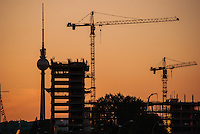 Berlin summer of 2012<br /> Sunset on the building works