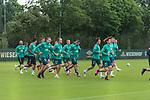 30.06.2020, Trainingsgelaende am wohninvest WESERSTADION,, Bremen, GER, 1.FBL, Werder Bremen Training, im Bild<br /> <br /> <br /> <br /> Aufwaermtraining auf Platz 4/5 <br /> Ömer / Oemer Toprak (Werder Bremen #21)<br /> Leonardo Bittencourt  (Werder Bremen #10)<br /> Niclas Füllkrug / Fuellkrug (Werder Bremen #11)<br /> Davie Selke  (SV Werder Bremen #09)<br /> Yuya Osako (Werder Bremen #08)<br /> Milot Rashica (Werder Bremen #07<br /> Fin Bartels (Werder Bremen #22)<br /> <br /> <br /> Foto © nordphoto / Kokenge