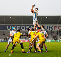 24th November 2019; AJ Bell Stadium, Salford, Lancashire, England; European Champions Cup Rugby, Sale Sharks versus La Rochelle; Jono Ross of Sale Sharks wins a line out - Editorial Use