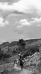 Comunidade de Jerusalém, município de Rubim na região do baixo Jequitinhonha, Norte de Minas Gerais. Nessa região é possível encontrar três tipos de biomas: caatinga, cerrado e mata atlântica. A ASA Brasil, Articulação no Semiárido Brasileiro, tem implementado em diversas comunidades no Norte de Minas o Programa Uma Terra e Duas Águas (P1+2) e o Programa Um Milhão de Cisternas (P1MC) que tem como objetivo viabilizar a captação e armazenamento de água de chuva nessas comunidades para consumo humano, criação de animais e produção de alimentos. Entre os parceiros para implementação dos projetos tem destaque na região a Cáritas Diocesana de Almenara. Teresa Oliveira de Jesus e Jonas Lucas Oliveira ..