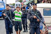RIO DE  JANEIRO,RJ 30 DE AGOSTO DE 2012- COMPLEXO DA MARE / VILA DO JOAO -  Policiais Militares, do BOPE, CHOQUE e GAM realizaram na  manha desta quinta-feira (30) uma  operacao no conjunto de favelas da Maré, na  localidade Vila do Joao, na Zona Norte do RJ. 3 carros, 2 motos , material para  endolação, drogas , foram apreendidos, 2 supeitos foram presos, um deles  portando um fuzil 556 semelhante ao usado pela polícia, um  menor  foi detido e levado para  DPCA, ele era o fogueteiro do trafico.FOTO: GUTO MAIA - BRAZIL PHOTO PRESS