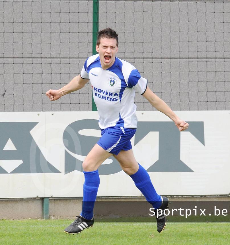 SC Wielsbeke - KSK Heist..Wouter Vandermieren scoort de 0-1 en is uitzinnig van vreugde..foto VDB / BART VANDENBROUCKE