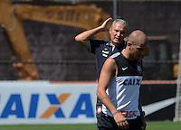 SÃO PAULO,SP, 14.09.2013 TREINO/CORINTHIANS/SP - Fabio Santos  durante treino do Corinthians no CT Joaquim Grava na zona leste de Sao Paulo. (Foto: Alan Morici /Brazil Photo Press).