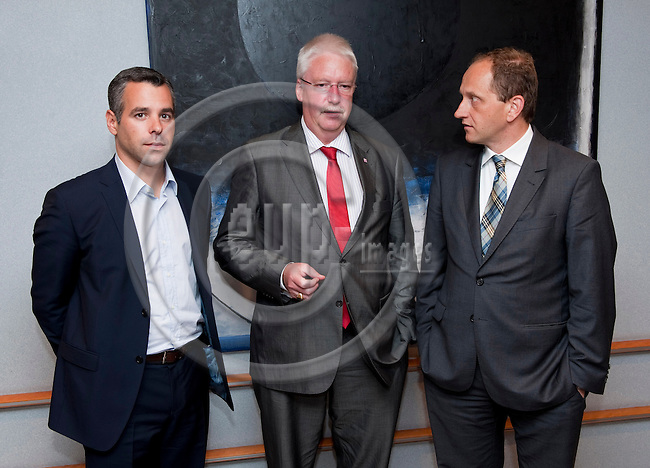 Brussels-Belgium - June 23, 2011 -- Jörg-Uwe HAHN (ce)(Joerg, Jorg), Deputy Prime Minister and Minister for Justice, Integration and European Affairs of Land Hessen, meets with MEPs and officials of the European Parliament; here, MEP Alexander ALVARO (le) and MEP Alexander Graf LAMDSDORFF (ri) -- Photo: Horst Wagner / eup-images