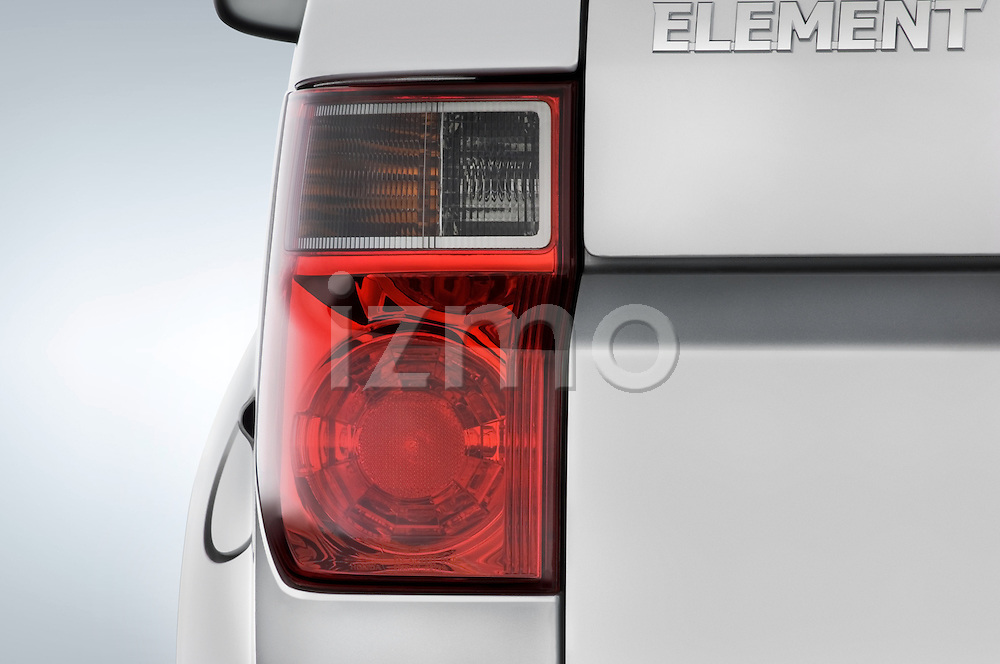 Tail light close up detail view of a 2008 Honda Element EX SUV