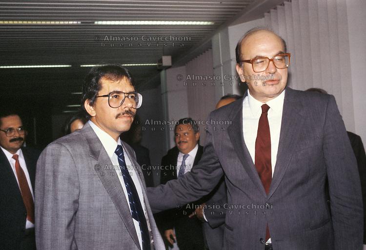 Novembre 1986, Roma, Daniel Ortega presidente del Nicaragua in visita ufficiale in Italia con Bettino Craxi.<br /> November 1986, Roma, Daniel Ortega president of Nicaragua during an official visit in Italy with Bettino Craxi.
