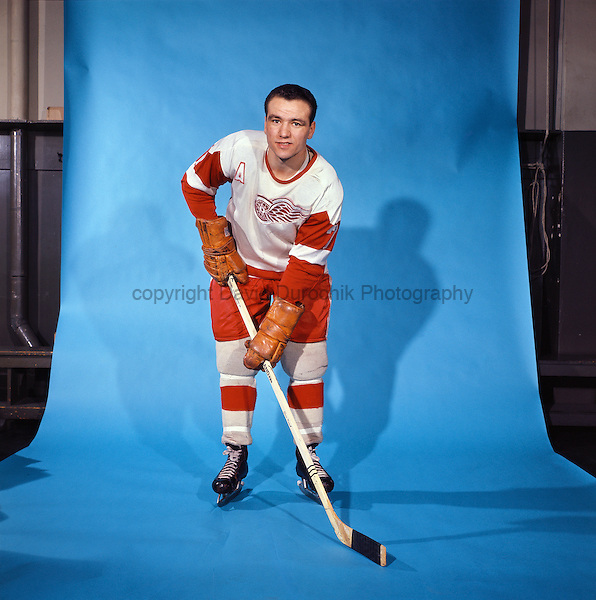 PORTRAIT OF NORM ULLMAN,  of the DETROIT RED WINGS, believed to be from the 1966-67 season