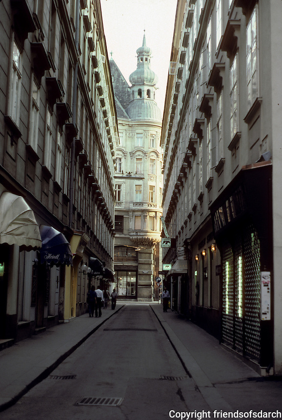 Vienna: Old city view from typical street--looking down Kollnerhofgasse to No. 4 Lugeck. Photo '87.