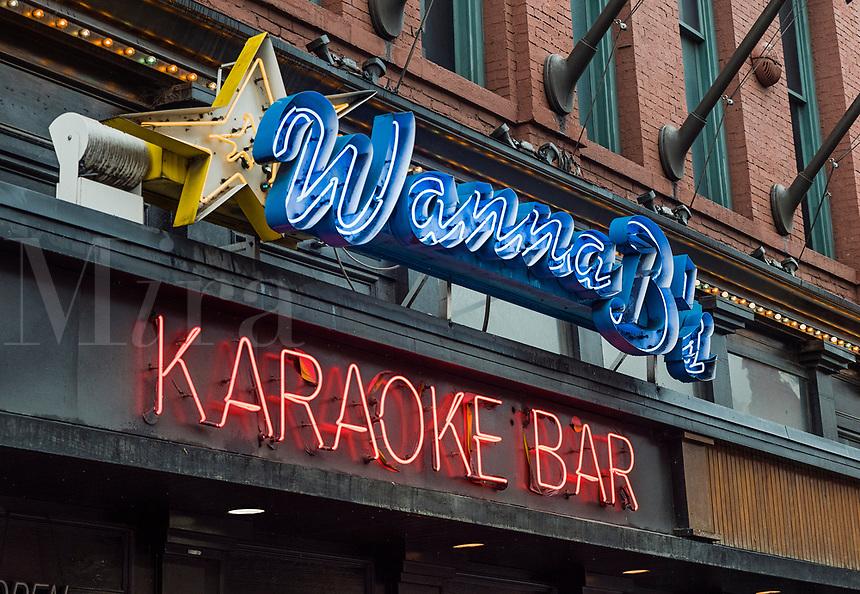 Wanna B's Karaoke Bar, Nashville, Tennessee, USA.