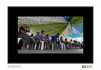 Vila São João Batista, no igarapé do Macaco, local do III Encontrão.<br /> <br /> Com a criação da Convenção sobre Diversidade Biológica - CDB -  tratado da Organização das Nações Unidas,  e a ratificação do protocolo de Nagoia em  2010,   se inicia um processo de organização para os  Povos e Comunidades Tradicionais em  busca de maior  qualidade de vida não apenas na Amazônia, mas em todo  mundo. <br /> <br /> Assim, em dezembro de 2013 a Rede Grupo de Trabalho Amazônico – GTA, em parceria com a Regional GTA/Amapá, o Conselho Comunitário do Bailique, Colônia de Pescadores Z-5, IEF, CGEN/DPG/SBF/MMA, juntamente com 36 comunidades do Arquipélago do Bailique, inicia o processo de criação do primeiro protocolo comunitário na Amazônia, instrumento que regula relações comerciais amparado por leis ambientais, estabelecendo o mercado justo, proteção da biodversidade,  entre outros . <br /> <br /> Desta forma, após dezenas de encontros, debates e oficinas,  as Comunidades Tradicionais do Bailique, articuladas pelo GTA,  se reuniram durante os dias 26, 27 e 28 de fevereiro, onde os moradores, em assembléia geral ordinária,