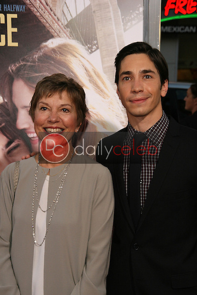 Justin Long and mother<br />