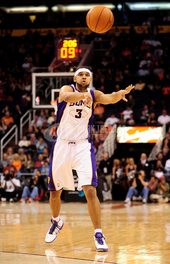 Dec. 8, 2010; Phoenix, AZ, USA; Phoenix Suns forward (3) Jared Dudley against the Memphis Grizzlies at the US Airways Center. Mandatory Credit: Mark J. Rebilas-