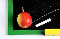 Back to School, school, apple,board<br />