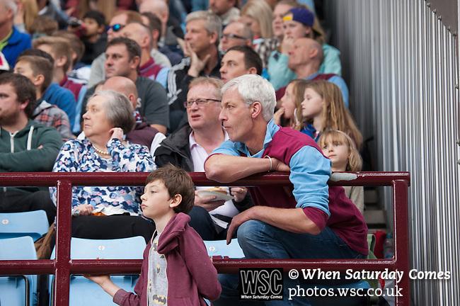 Aston Villa 0 Arsenal 3, 20/09/2014. Villa Park, Premier League. Photo by Simon Gill