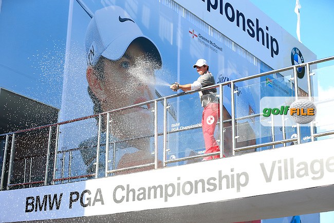 Rory MCILROY (NIR) celebrates his win after final round of the BMW PGA championship, Wentworth Golf Club, Virginia Waters, London.<br /> Picture: Fran Caffrey www.golffile.ie