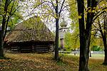 Wygiezłów, 14-10-2017 (woj. małopolskie) Nadwiślański Park Etnograficzny. Stodoła ośmioboczna ze wsi Kaszów z połowy XIX wieku
