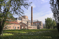 - universit&agrave; di Ferrara, sede del Polo Scientifico Tecnologico nel fabbricato industriale restaurato di un antico zuccherificio<br /> <br /> - University of Ferrara, site of the Scientific and Technological Pole in the renovated industrial building of an old sugar factory