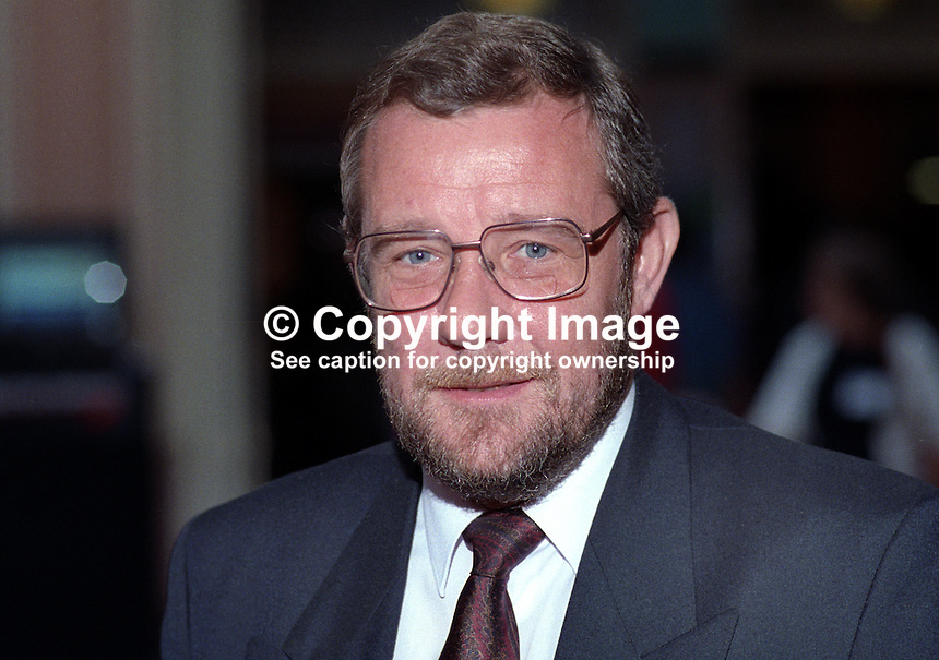 Richard Caborn, MP, Labour Party, UK, taken annual conference October 1992. 19921014RC..Copyright Image from Victor Patterson, 54 Dorchester Park, Belfast, UK, BT9 6RJ..Tel: +44 28 9066 1296.Mob: +44 7802 353836.Voicemail +44 20 8816 7153.Skype: victorpattersonbelfast.Email: victorpatterson@me.com.Email: victorpatterson@ireland.com (back-up)..IMPORTANT: If you wish to use this image or any other of my images please go to www.victorpatterson.com and click on the Terms & Conditions. Then contact me by email or phone with the reference number(s) of the image(s) concerned.