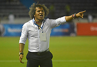 BARRANQUILLA- COLOMBIA -25-03-2017: Alberto Gamero, técnico de Atletico Junior, durante partido aplazado de la fecha 2 entre Atletico Junior y Jaguares F.C. por la Liga Aguila I-2017, jugado en el estadio Metropolitano Roberto Melendez de la ciudad de Barranquilla. / Alberto Gamero, coach of Atletico Junior, during a posponed match of the date 2, between Atletico Junior and Jaguares F.C. for the Liga Aguila I-2017 at the Metropolitano Roberto Melendez Stadium in Barranquilla city, Photo: VizzorImage  / Alfonso Cervantes / Cont.