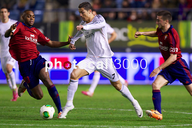 MADRID. ESPAÑA. FÚTBOL.<br /> Football match during La Copa del Rey (Spain);  04/01/2014.<br /> En la imagen :<br /> 7	Cristiano Ronaldo (Real Madrid)<br /> 22     Jordan Loties (CA Osasuna)