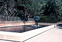 Los Angeles: Malcolm Hall, UCLA--Fountain, Sculpture. George Tsutakawa, 1969.  Photo '84.
