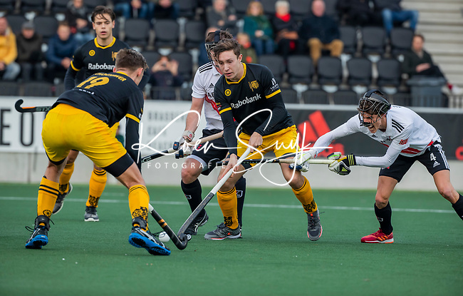 AMSTELVEEN -  Jasper Tukkers (Den Bosch)  tijdens de competitie hoofdklasse hockeywedstrijd mannen, Amsterdam- Den Bosch (2-3).  COPYRIGHT KOEN SUYK