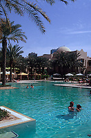 Vereinigte arabische Emirate (VAE, UAE), Dubai, Hotel One & Only Royal Mirage. Pool