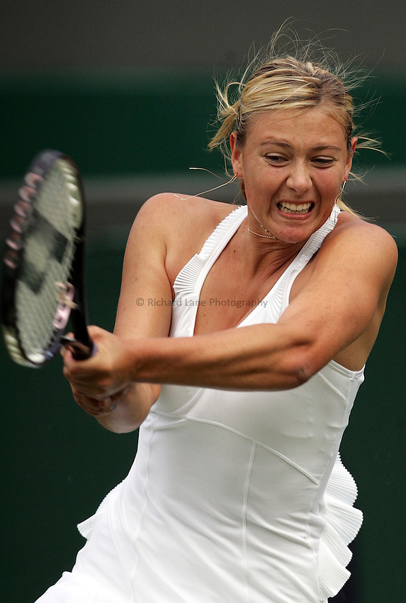 Photo: Paul Thomas..Wimbledon Championships. 26/06/2007...Maria Sharapova (RUS) during her match against Yung-Jan Chan.