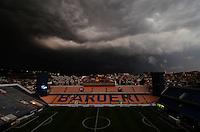 BARUERI, SP, 14.01.2014 - COPA SÃO PAULO DE FUTEBOL JUNIOR - SÃO PAULO x NACIONAL (SP): Nuvens carregadas pairam sobre a Arena Barueri antes da partida São Paulo x Nacional (SP), válida pela segunda fase da Copa São Paulo de Futebol Junior, disputada na Arena Barueri em Barueri. (Foto: Levi Bianco / Brazil Photo Press)