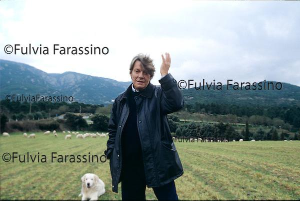 4 febbraio 1997,   L'Agnata, Tempio Pausania, Fabrizio De Andr&egrave; fotografato nella sua casa <br /> Fabrizio De Andr&egrave; photographied at his home