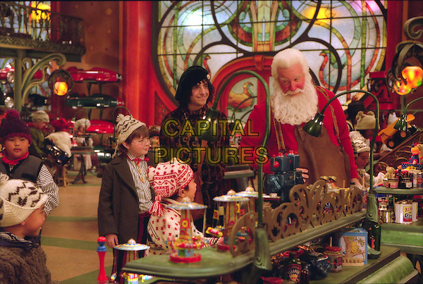SPENCER BRESLIN, DAVID KRUMHOLTZ & TIM ALLEN.in The Santa Clause 2.Ref: FB.Supplied by Capital Pictures.*Film Still - Editorial Use Only*.www.capitalpictures.com.sales@capitalpictures.com.