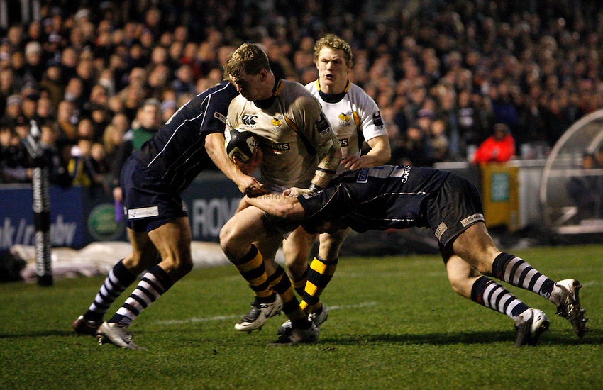Photo: Richard Lane/Richard Lane Photography..Bristol Rugby v London Wasps. Guinness Premiership. 22/12/2007. .Wasps' Tom Rees attacks.