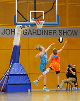 29th November 2019; Bendat Basketball Centre, Perth, Western Australia, Australia; Womens National Basketball League Australia, Perth Lynx versus Southside Flyers; Kiera Rowe of the Southside Flyers blocks the shot of Lauren Mansfield of the Perth Lynx - Editorial Use