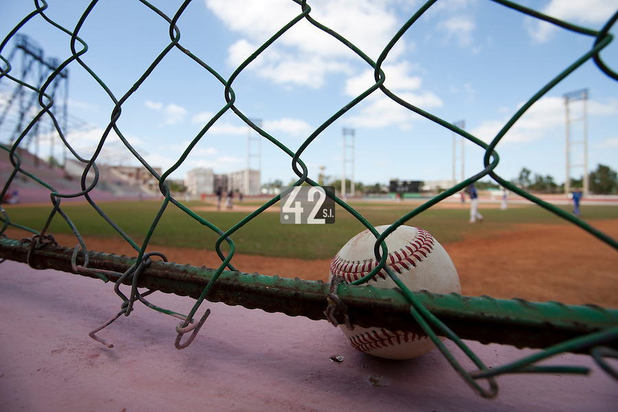 BASEBALL - POLES BASEBALL FRANCE - TRAINING CAMP CUBA - HAVANA (CUBA) - 13 TO 23/02/2009 - PHOTO : CHRISTOPHE ELISE.BALLPARK (FRANCE)