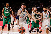 22nd March 2018, Wizink Centre, Madrid, Spain; Turkish Airlines Euroleague Basketball, Real Madrid versus Zalgiris Kaunas; Rudy Fernandez (Real Madrid Baloncesto) keeps the ball in play