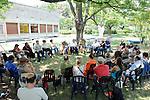 """""""IMAGINONS LE PAVILLON""""..avec Bernard Babkine (journaliste), Alain Blachère (directeur du CH-Mas Careiron), Eliane Dheygere (Vivat scène conventionnée d'Armentières), Christophe Haleb (chorégraphe), Liliane Schaus (directrice du CDC Uzès danse)... ainsi qu'un(e) représentant(e) du 3 bis F..modération Matthias Youchenko (philosophe)..Lieu: centre hospitalier Mas Careiron..Ville : Uzes..Festival Uzes Danse 2011..le 22/06/2011..© Laurent Paillier / photosdedanse.com..All rights reserved"""