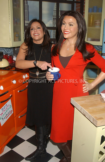 WWW.ACEPIXS.COM . . . . . ......February 21 2007, New York City....TV personality and chef Rachael Ray poses with her new wax figure at Madame Tussauds wax museum in Times square.....Please byline: KRISTIN CALLAHAN - ACEPIXS.COM.. . . . . . ..Ace Pictures, Inc:  ..(646) 769 0430..e-mail: info@acepixs.com..web: http://www.acepixs.com