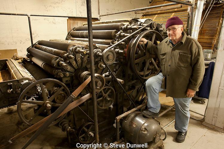 Paul Libbey, with garnet machine, Scotia fabrics, Cumberland Mill, Lewiston, ME