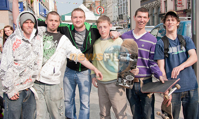 """Rob Fanning, Kristian Hurley, Daniel Clinton, Daryl O' Rourke, """"Indy 900"""" and Tommy McCormack enjoying the live music and entertainment on West Street..Picture: Shane Maguire / www.newsfile.ie."""