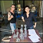 Il maestro vetraio Moreno Bardella e la designer Annalisa Cocco al Glass Fest 2014 al Museo del vetro di Altare (SV).