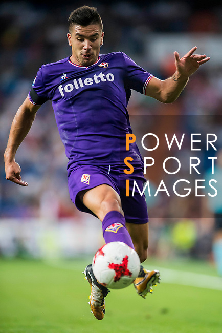 Giovanni Simeone of ACF Fiorentina in action during the Santiago Bernabeu Trophy 2017 match between Real Madrid and ACF Fiorentina at the Santiago Bernabeu Stadium on 23 August 2017 in Madrid, Spain. Photo by Diego Gonzalez / Power Sport Images