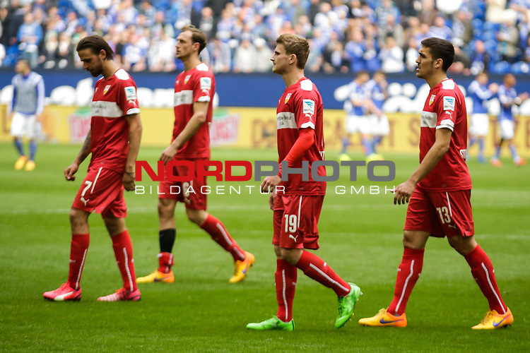 02.05.2015, Veltins-Arena, Gelsenkirchen, GER, 1.FBL, FC Schalke 04 vs VfB Stuttgart, im Bild entt&auml;uschte Spieler des VfB Stuttgart  <br /> <br /> Foto &copy; nordphoto / Rauch