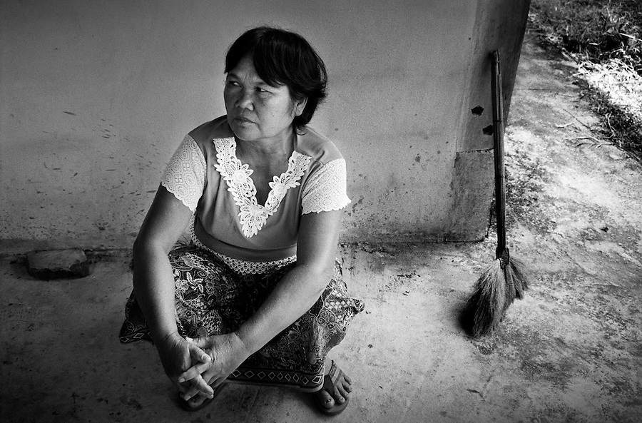 """Mekong Dam Victims - Thailand. Mrs. Sompong Viengjan (53). As one of the main protesters against the Pak Mun dam she has been arrested many times for her engagement. She is still one of the spokeswomen for the local population with the government. The building of the Pak Mun Dam in Thailand has lead to strong opposition by the local population as the number of fish and fish species in the river is dramatically reduced because of the dam, affecting more than 20,000 people. Known as """"The Mother of Waters"""", more than 60 million people depend on the Mekong river and its tributaries for food, fresh water, transport and other aspects of daily life. The construction of big dams is now threatening the life of these people aswell as the vital and unique ecosystem of the river."""