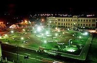 Vista noturna da Praça Independência e ao fundo o Instituto Santa Terezinha.<br />Bragança-Pará-Brasil.<br />©Foto:Paulo Santos/ Interfoto<br />Negativo Cor 135 Fc19 Nº 8413 T6 F36a