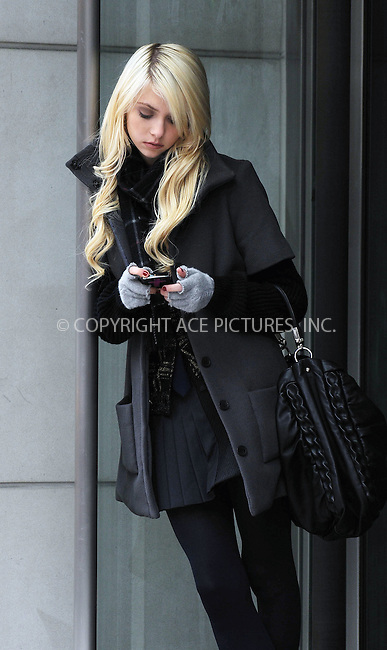 WWW.ACEPIXS.COM . . . . . ....December 2 2009, New York City....Actress Taylor Momsen on the set of the TV show 'Gossip Girl' on December 2 2009 in New York City....Please byline: KRISTIN CALLAHAN - ACEPIXS.COM.. . . . . . ..Ace Pictures, Inc:  ..(212) 243-8787 or (646) 679 0430..e-mail: picturedesk@acepixs.com..web: http://www.acepixs.com
