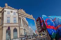 France, Bouches-du-Rhône (13), Marseille, capitale européenne de la culture 2013, La Canebière, marché de Noël, chambre de commerce, ancien palais de la bourse  // France, Bouches du Rhone, Marseille, european capital of culture 2013, La Canebiere, Christmas market, Chamber of Commerce, former palace of the stock exchange