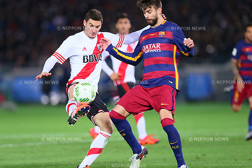 (L-R) Lucas Alario (River), Gerard Pique (Barcelona), <br /> DECEMBER 20, 2015 - Football / Soccer : <br /> FIFA Club World Cup Japan 2015 <br /> Final match between River Plate 0-3 Barcelona  <br /> at Yokohama International Stadium in Kanagawa, Japan.<br /> (Photo by Yohei Osada/AFLO SPORT)