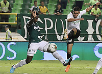 PALMIRA - COLOMBIA, 21-08-2019: Richard Renteria del Cali disputa el balón con Daniel Muñoz de Nacional durante partido entre Deportivo Cali y Atlético Nacional por la fecha 7 de la Liga Águila II 2019 jugado en el estadio Deportivo Cali de la ciudad de Palmira. / Richard Renteria of Cali vies for the ball with Daniel Muñoz of Nacional during match between Deportivo Cali and Atletico Nacional for the date 7 as part Aguila League II 2019 played at Deportivo Cali stadium in Palmira city. Photo: VizzorImage / Gabriel Aponte / Staff
